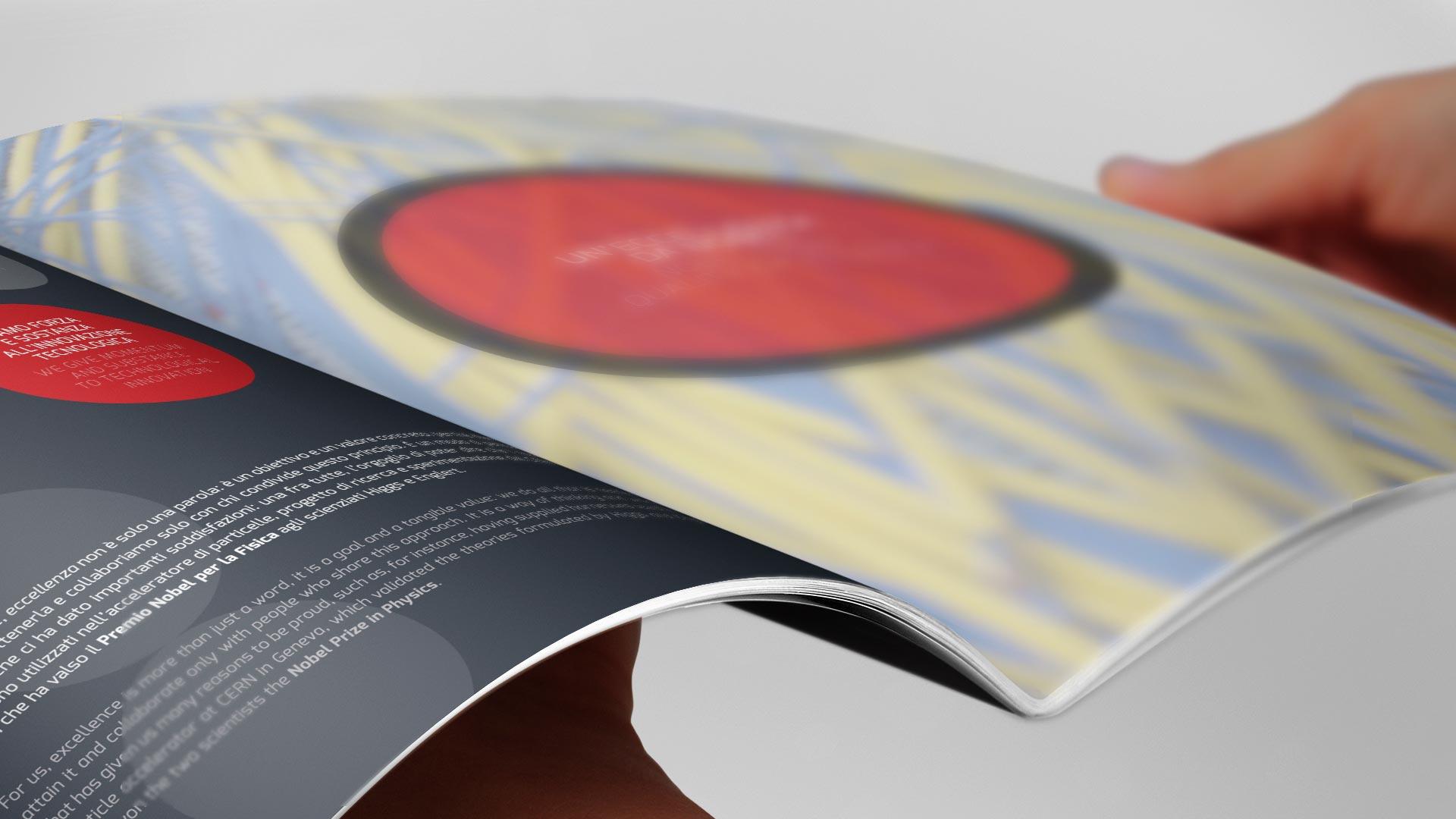 Brochure A4 HTC 5 - HTC, L'impulso dell'innovazione, Brochure